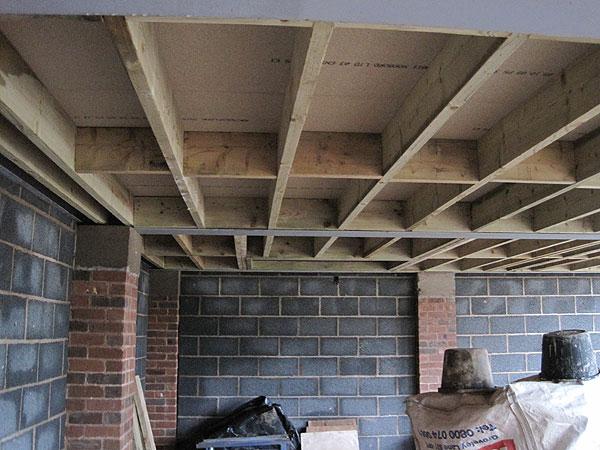 Boddice building a motor house - Mezzanine trap ...